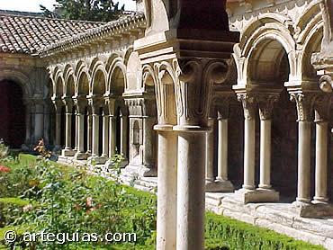 Las Claustrillas del Monasterio de Las Huelgas, fundado por Alfonso VIII
