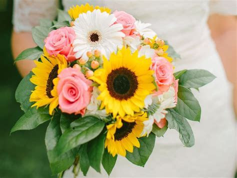 Top 10 Most Inexpensive (But Totally Beautiful) Flowers
