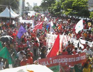 Manifestantes se concentração no Lyceu
