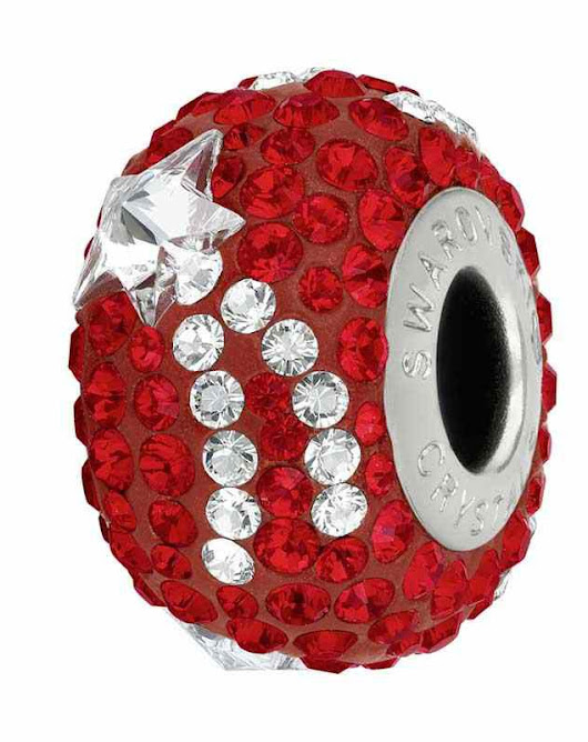 15mm Light Siam (227) 81922 Shooting Star BeCharmed Pavé Helmed Swarovski