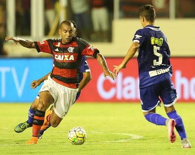 Emerson Confiança x Flamengo (Foto: JORGE HENRIQUE/FUTURA PRESS/ESTADÃO CONTEÚDO)