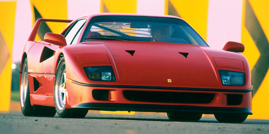 Glorious, flame-spitting throttle overrun in a Ferrari F40