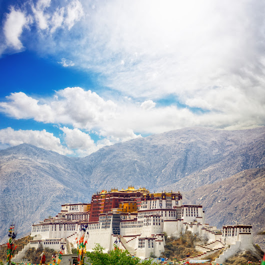 Gyantse, Shigatse and Nam Tso | The Land of Snows