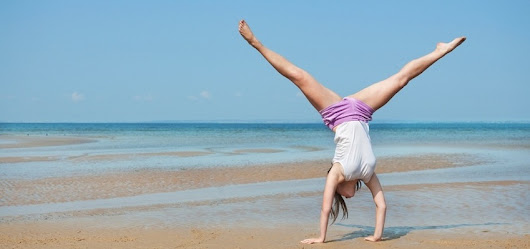 5 Reasons You Should Do Handstands Every Day