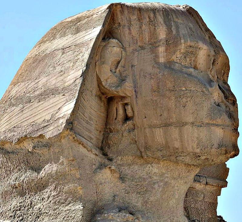 Se cree que el rostro de la Gran Esfinge representa al faraón Kefrén, o quizás a su padre, el faraón Keops. (Hamerani/CC BY-SA 4.0)
