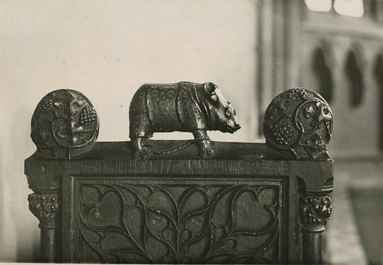 Rhinoceros statuette on the stalls in the choir of Minden's Saint Martin church, 1520