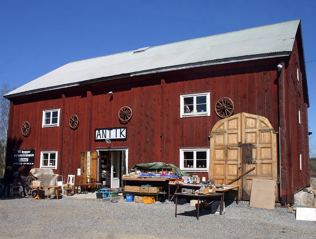 The Antiques Barn