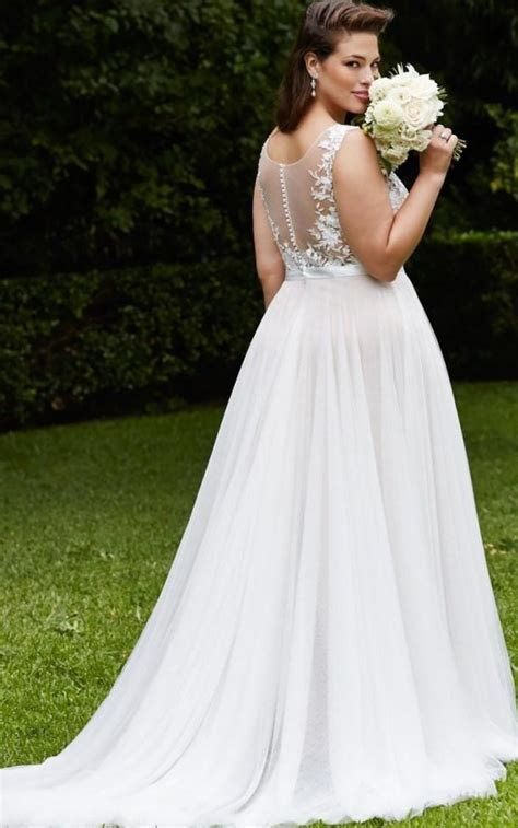 Plus size models in wedding dresses   PlusLook.eu Collection