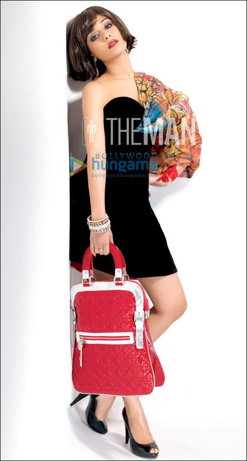 Amrita Rao steams it up for 'The Man'