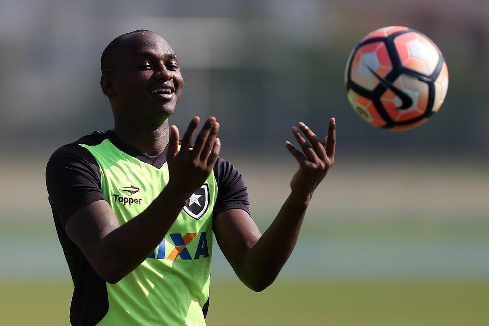 Sassá pode ser emvolvido em troca com Neílton, que voltaria a defender o Botafogo (Foto: Vitor Silva/SSPress/Botafogo)