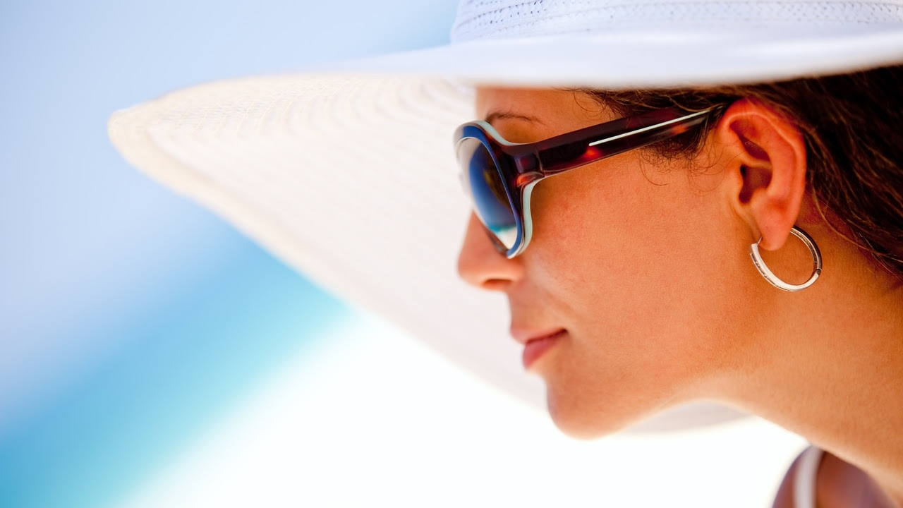 Protect Your Skin in the Sun 10 Ways | EmpowHER - Women's ...