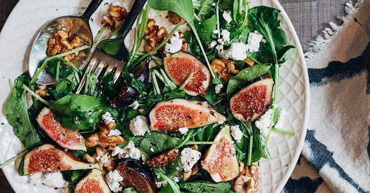 Fig Salad with Goat Cheese and Baby Arugula