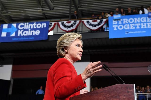 «Le dossier est vide», a affirmé Hillary Clintonsous... (PHOTO JEWEL SAMAD, AFP)