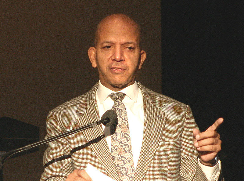 File:Anthony Williams, Mayor of the District of Columbia, speaking at Cherry Blossom Festival, 2006.jpg