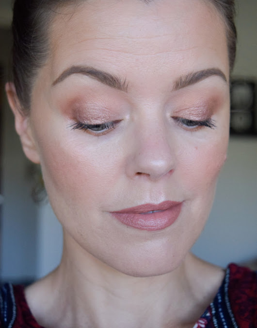 Sminkning med Colourpop och Nabla - Daisy Beauty
