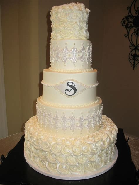 1000  images about Classic Wedding Cakes on Pinterest