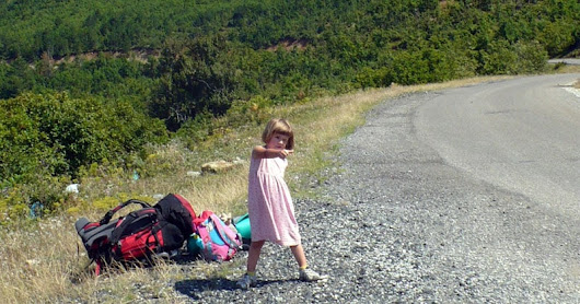 Why I Hitchhike with My 5 Year Old Daughter -MomGoesCamping