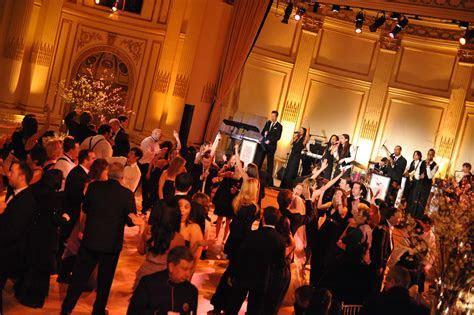 Hank Lane Reviews: Erik Marshall Band at a Wedding at the