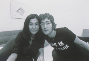 Yoko Ono and John Lennon at the Everson Museum of Art, Syracuse, 1971; photo courtesy of the Everson.
