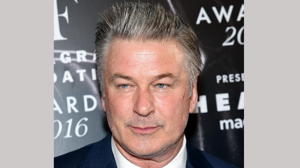 http://static-33.sinclairstoryline.com/resources/media/e7ea0bce-aa4b-4d0c-9661-5ba73a4c83c7-large16x9_PeopleAlecBaldwin_Leak.jpg?1475117891227