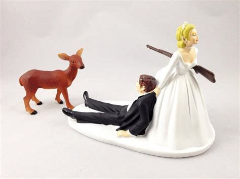 Funny Hunting Wedding Cake Topper   Deer Hunting Groom
