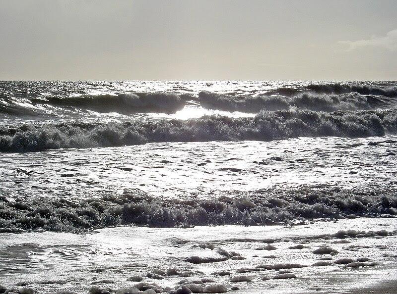 File:Gray ocean surf.JPG