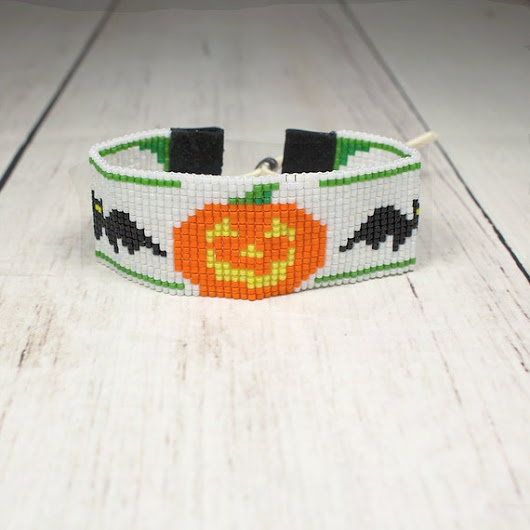 Halloween Pumpkin Bracelet  Holiday Bracelet  by SKBeadedJewelry