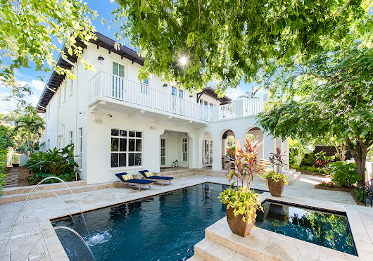 JUST CLOSED | 4131 Woodridge Road Sets 2018 YTD Record in Coconut Grove | Miami Luxury Homes