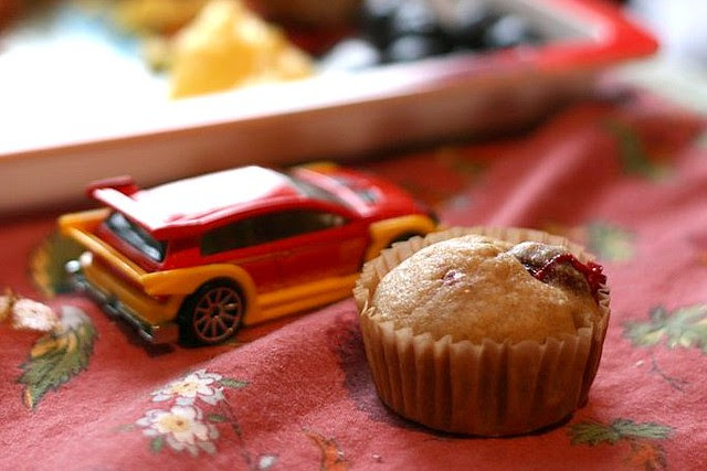 car and muffin-zoom