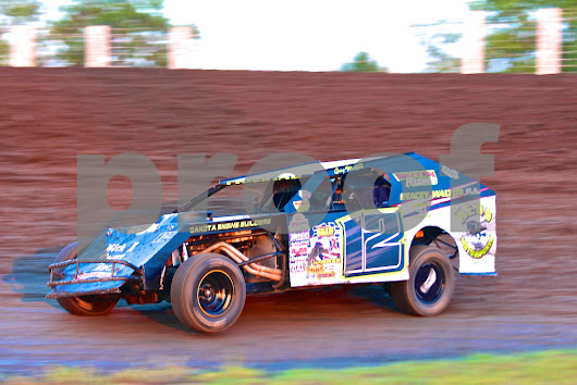 Greg Friestad from Valley City ND in his #12 Midwest Modified