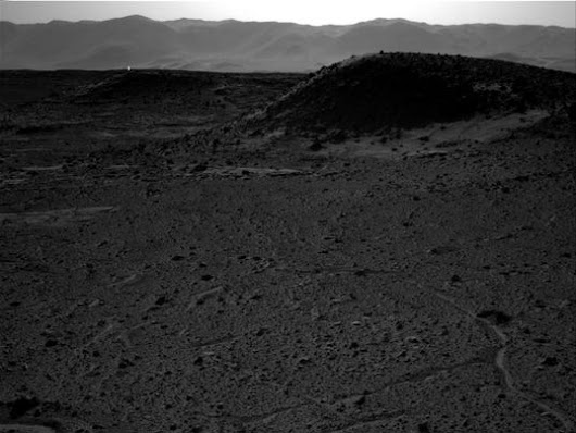 'Mystery Light' spotted in Mars photo