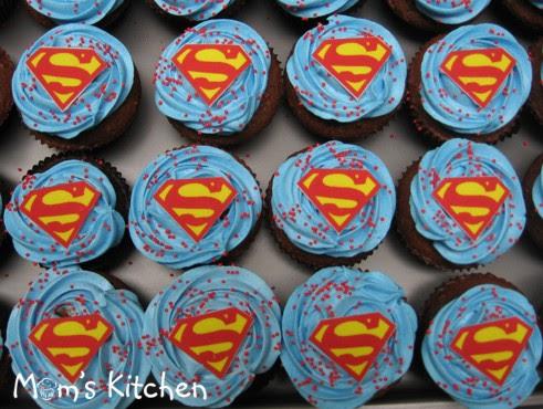cupcake-Superman