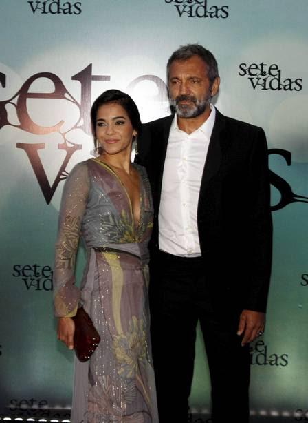 Domingos com a mulher, Luciana, na festa de lançamento da novela