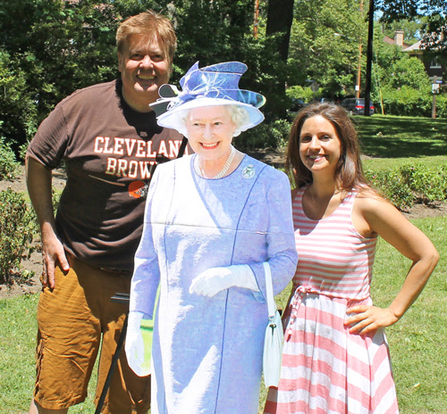 Dan Hanson, Jennifer Fiertag and Queen Elizabeth
