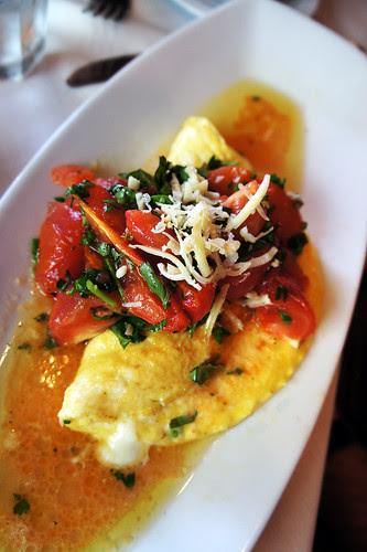 Formaggio e Pomodoro eggs