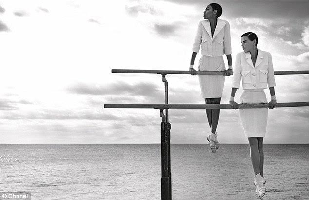 Classic: Nenhuma campanha de Chanel estaria completa sem os ternos sob medida boucle excepcionalmente a marca parisiense é tão conhecido por
