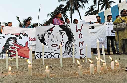 Militantes da ONG Aastha protestam em Mumbai: 'Respeitem as mulheres' (Punit Paranjpe/AFP)