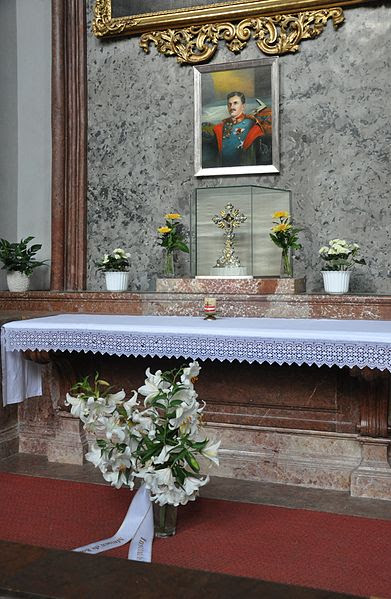 File:Wien Augustinerkirche Altar Karl I.jpg