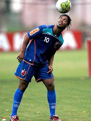 Ronaldinho Gaúcho no treino do Flamengo (Foto: Jorge Wiliam / Agência O Globo)