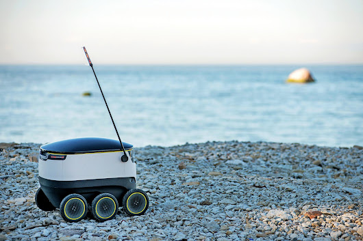 Starship's Delivery Robot May Be Coming to a Sidewalk Near You