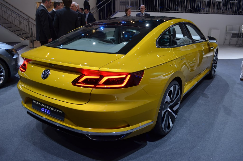 Hasil gambar untuk Volkswagen Passat 2017