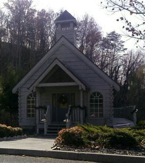 church picture  wedding bell chapel pigeon forge