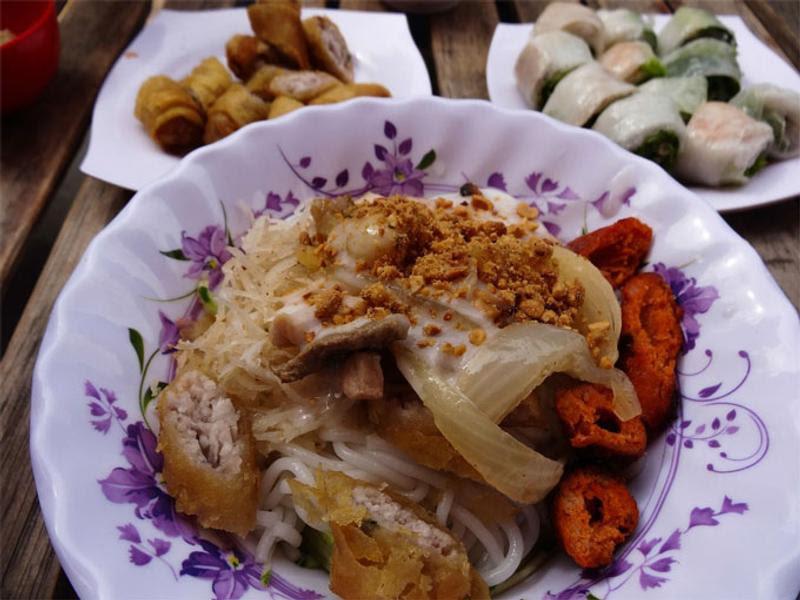 street food, Phnom Penh © Catherine McGloin