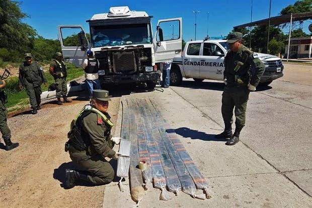 Los gendarmes montaron una vigilancia especial en la ruta 16, en Salta, para dar con el cargamento de drogas