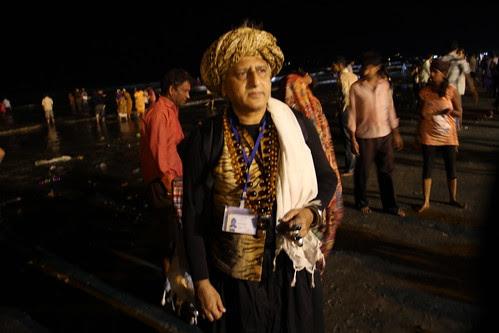 Shooting The 7 Day Ganpati Visarjan Juhu Beach by firoze shakir photographerno1