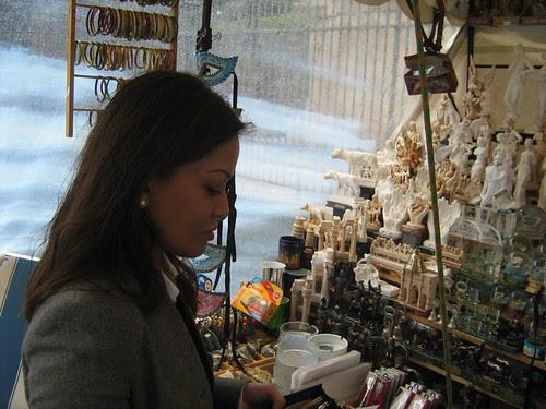 Ida Nerina buys stuff outside the Colosseum
