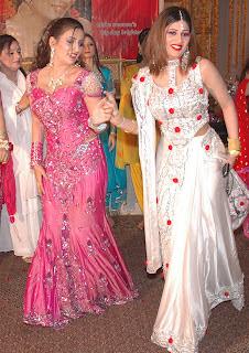 Women from Heera Mandi - tough lives behind the venner
