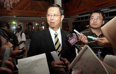 Saya melihat keputusan ini sebagai satu pungutan suara rakyat Malaysia umumnya dan Perak khususnya apabila kita tengok tragedi yang berlaku kepada negeri Perak setelah rampasan kuasa dibuat oleh Najib Razak sehinggalah kepada hari penamaan calon oleh kerana bukan kerana simpati namun sokongan itu tidak berbelah bahagi