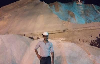 Mariano Fierro es Jefe Departamento Fábrica de Azúcar Crudo. Guardan la producción para comercializarla cuando el precio es favorable.