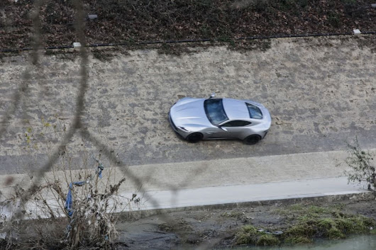 James Bond, l'inseguimento mozzafiato sulle banchine del Tevere - 1 di 1 - Roma - Repubblica.it